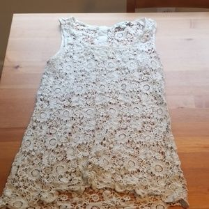 Forever 21 lace crochet tank top w button neck